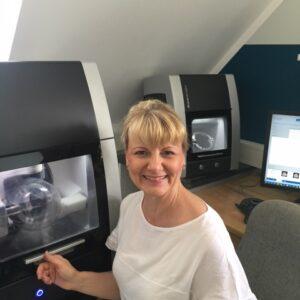 Alexandra Weigel setzt in ihrem Labor auf Luftreiniger für ein besseres Raumklim